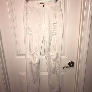 white distressed highwaisted jeans